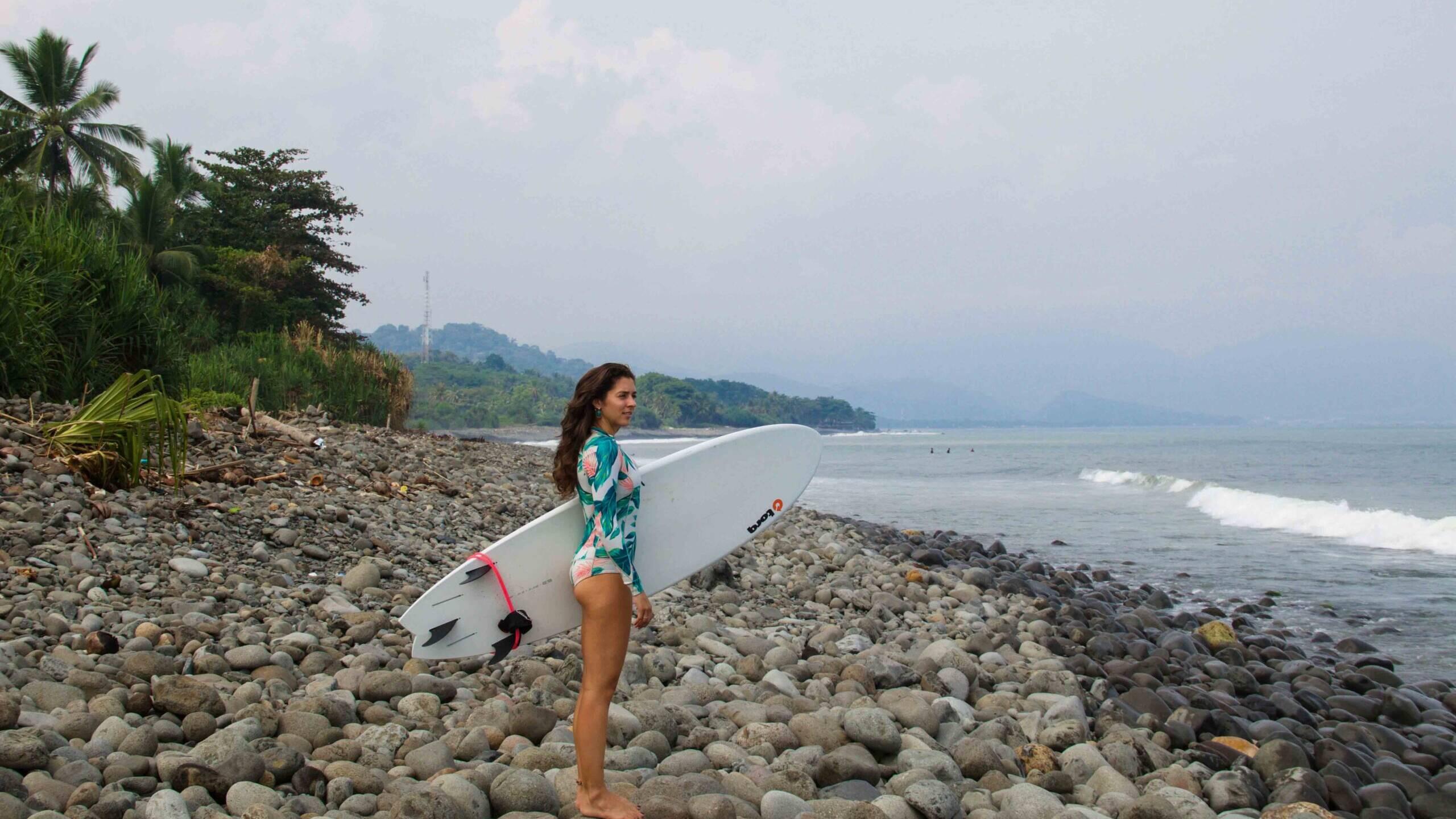surf cimaja beach java