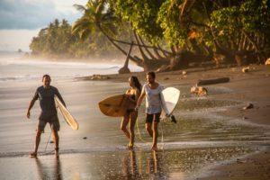 Mokum Surf Club retreats group during sunset