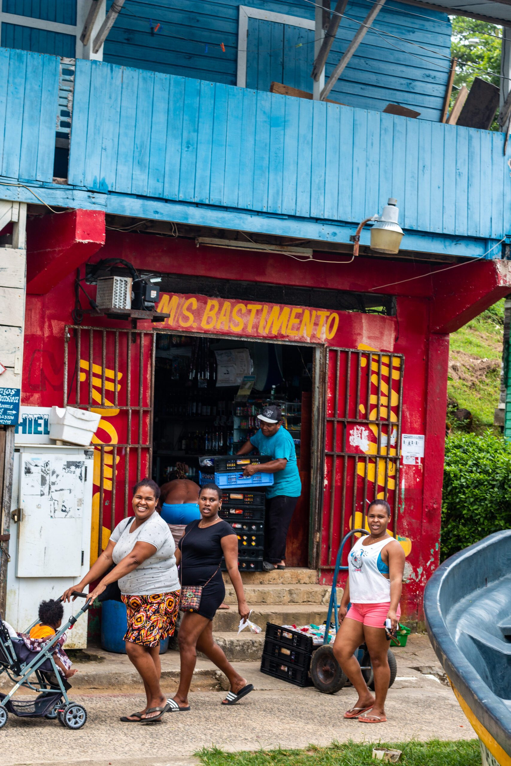 Local women on Isla Bastimentos Bocas del Toro