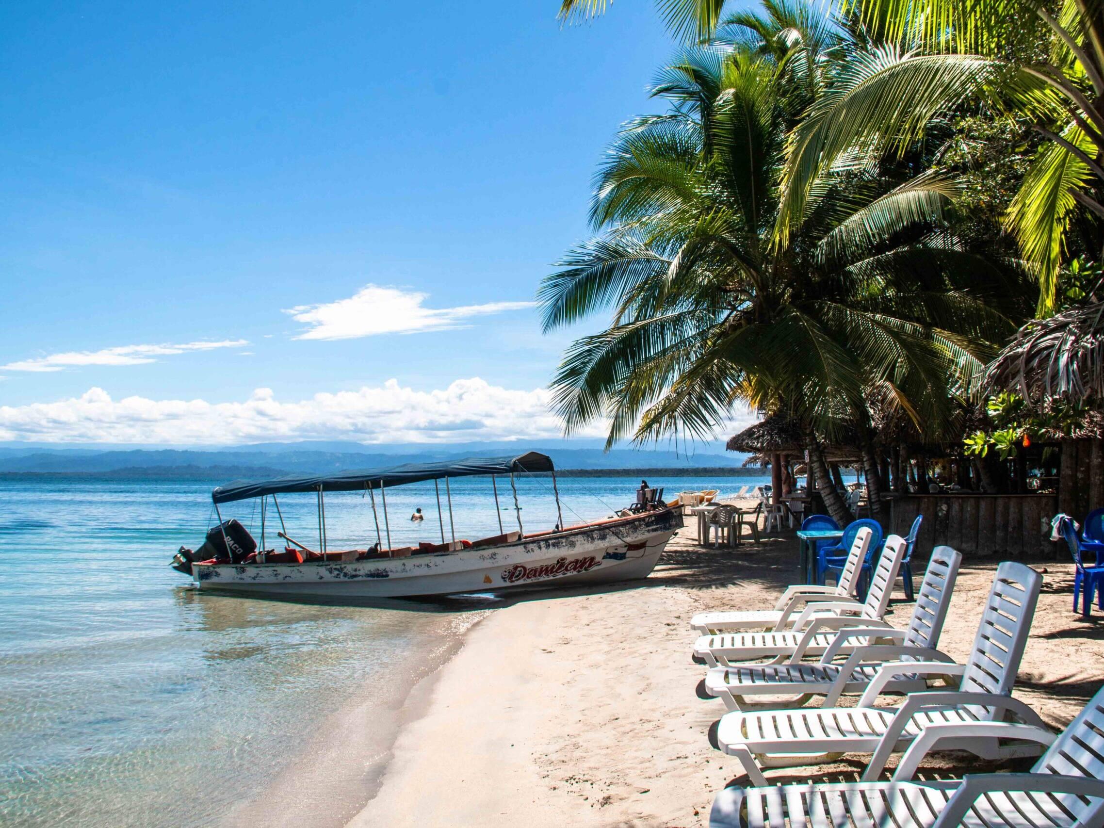 Playa Estrella on Bocas del Toro
