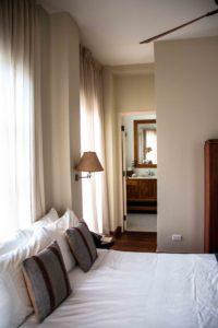 Las Clementinas hotel bedroom Panama City