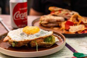 Lunch at Mahalo restaurant in Casco Viejo Panama City