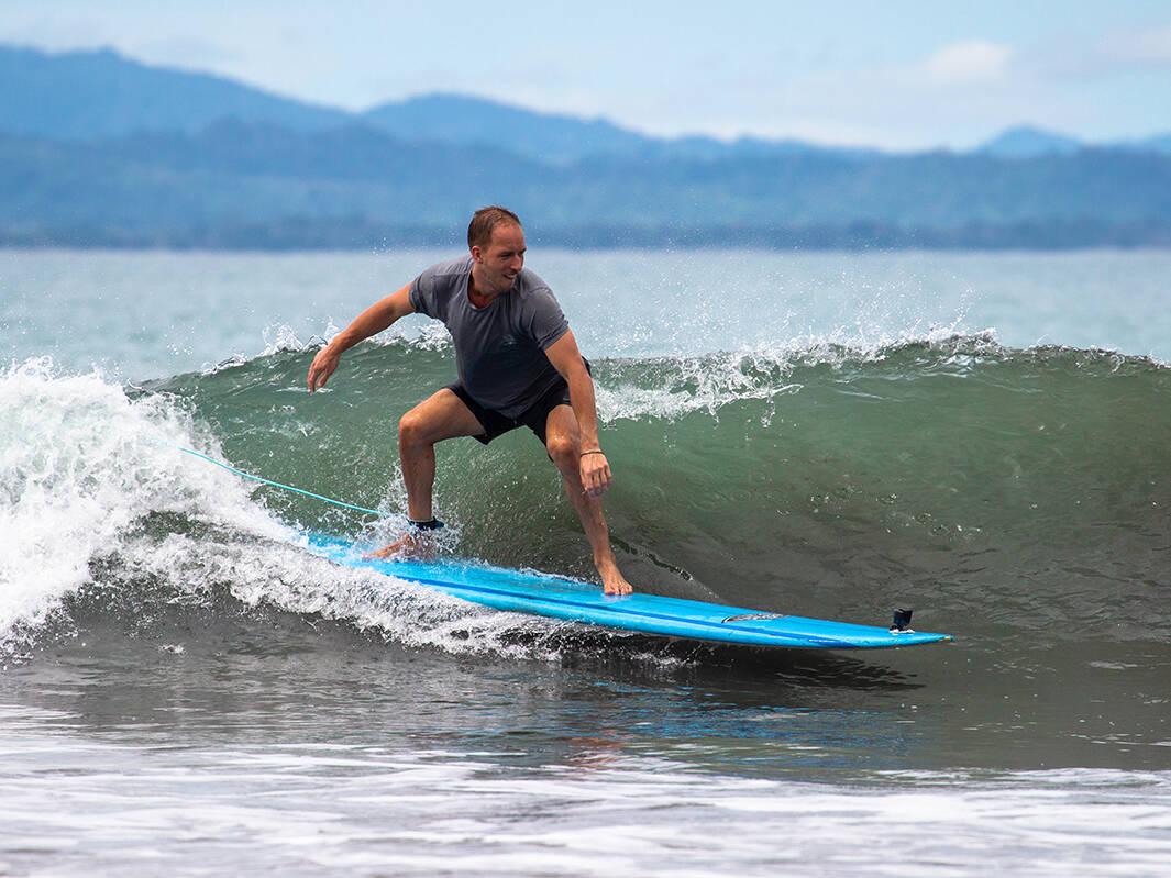 Mokum Surf Club retreat surf lesson