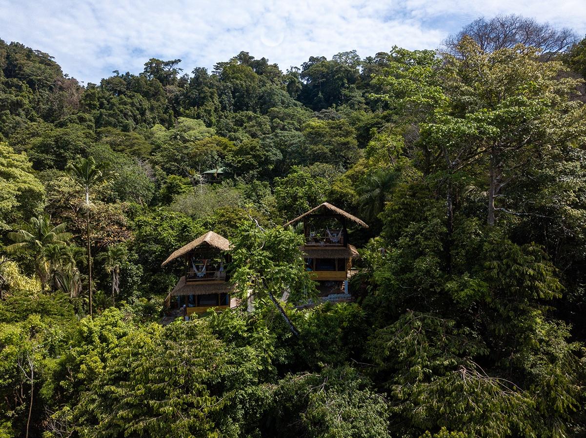 Sola Vista Eco Lodge in the jungle of Punta Banco Costa Rica